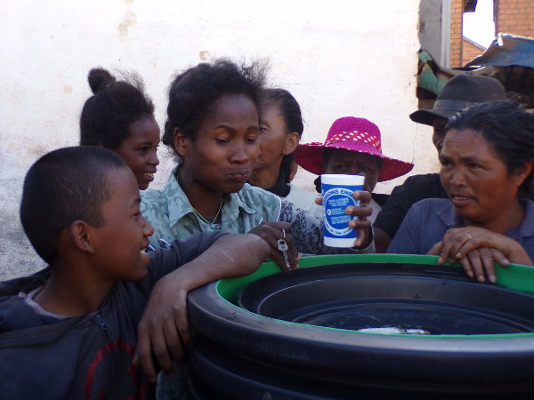 Fontaine a eau Madagascar Safe Water Cube